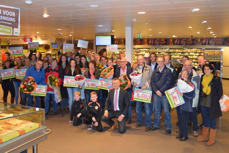 Historische Kring krijgt cheque van PLUS Bilthoven