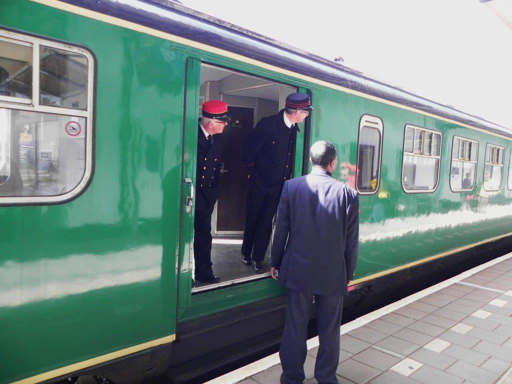 Foto's opening woning stationschef